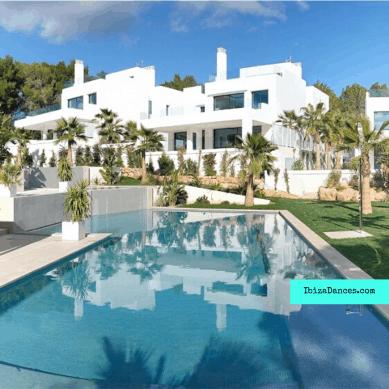 Unieke nieuwbouw villa's Cala Llenya